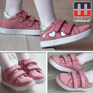 <Вибір кольору дитячого взуття