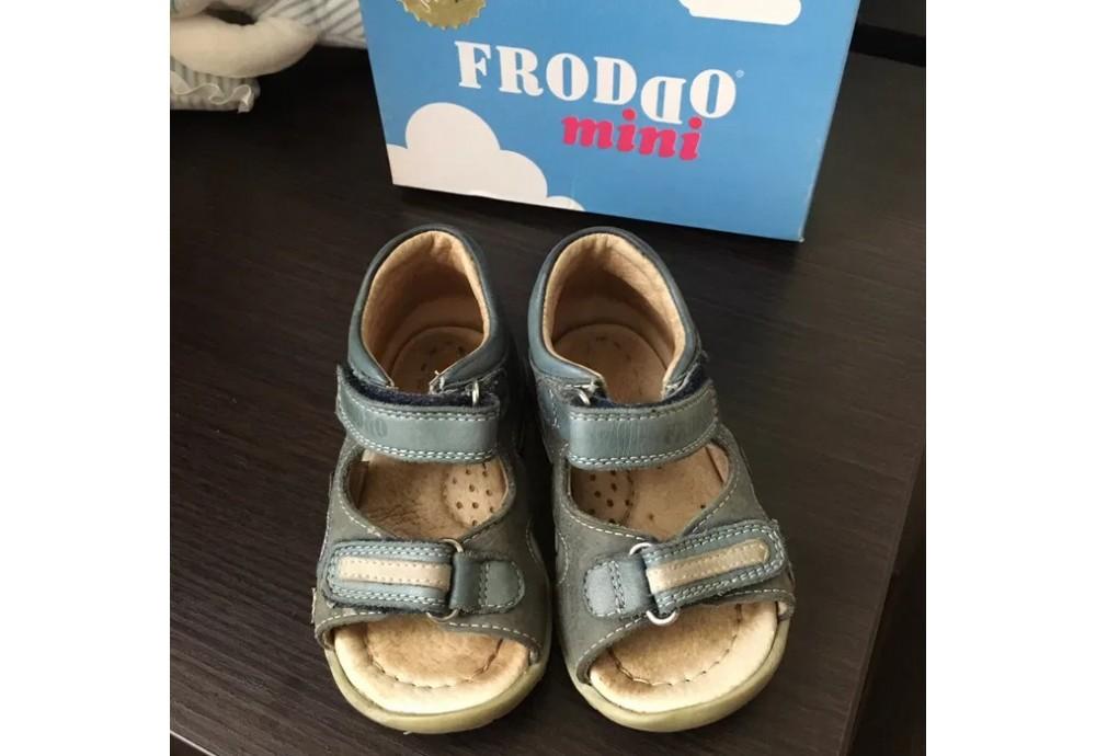 Froddo дитяче взуття від хорватського виробника і розмірна сітка бренду